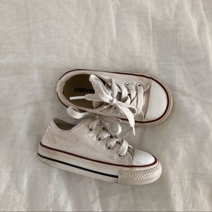 White baby converse size 5